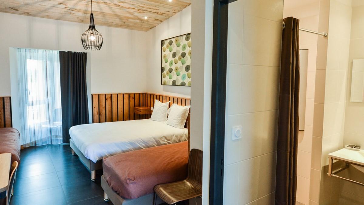 tarifs h tel puy du fou h tel s jour au puy du fou le relais boisniard. Black Bedroom Furniture Sets. Home Design Ideas